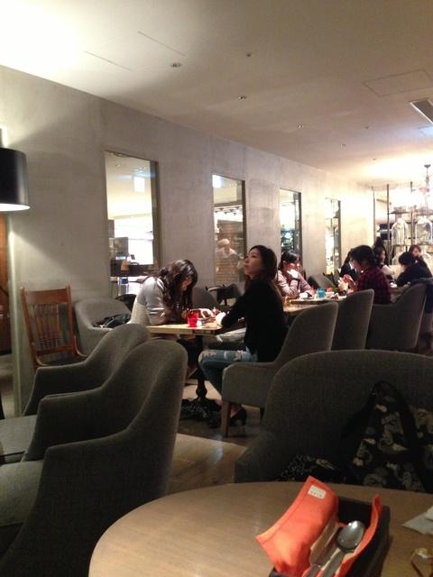 tablescafe2.jpg